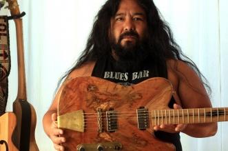 cesar curitolk luthier
